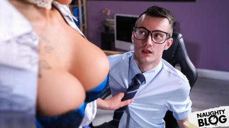 LilHumpers – Alice Judge: Humped And Focused